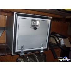 Алюминиевый инструментальный или аккумуляторный ящик-кофр 500*400*400 мм