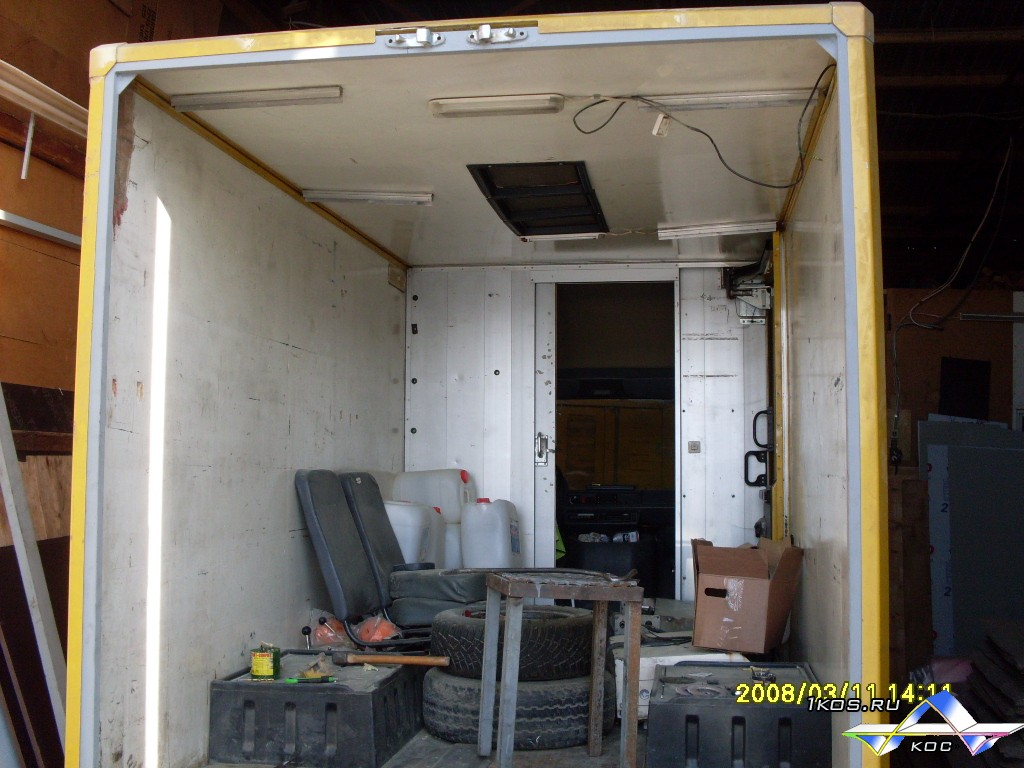 Установка стальной коробки для ворот.