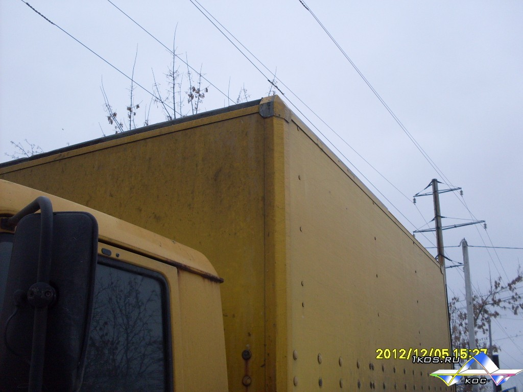 До ремонта крыши фургона .