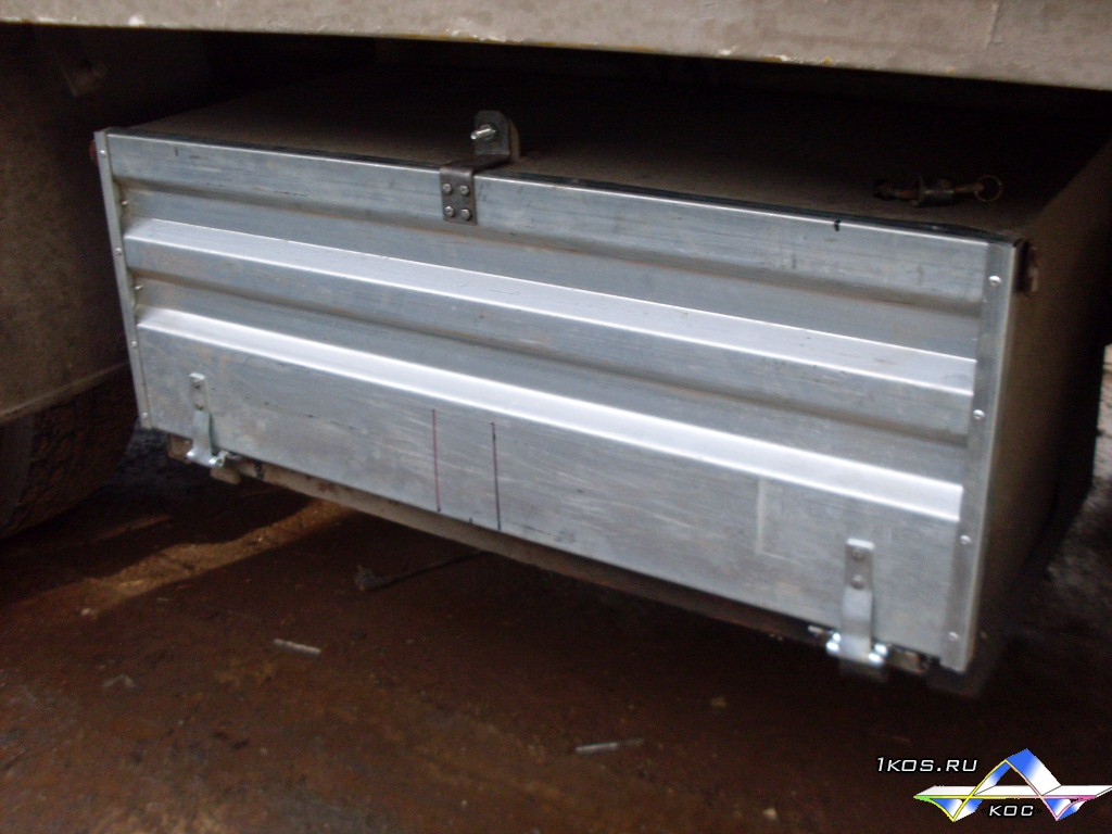 Оцинкованный ящик. Толщина металла 1,5 мм.