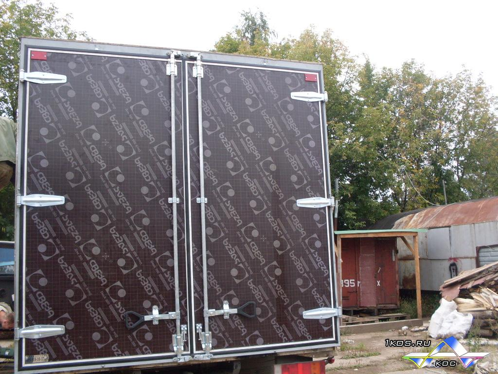 Установка коробки для усиления жёсткости фургона.