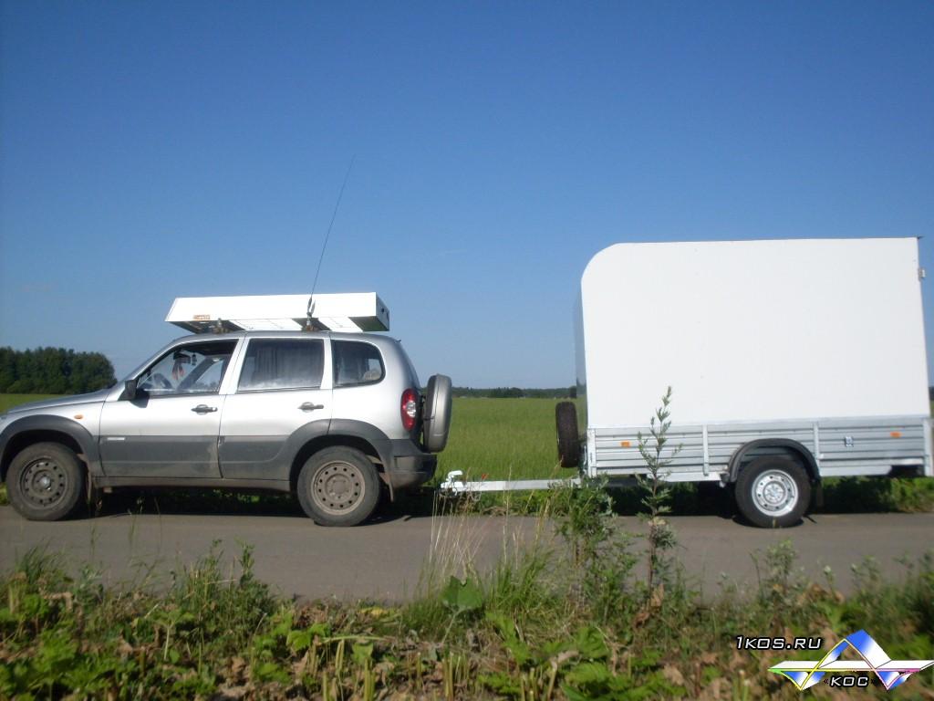 Нива с алюминиевым прицепом и алюминиевым багажником.