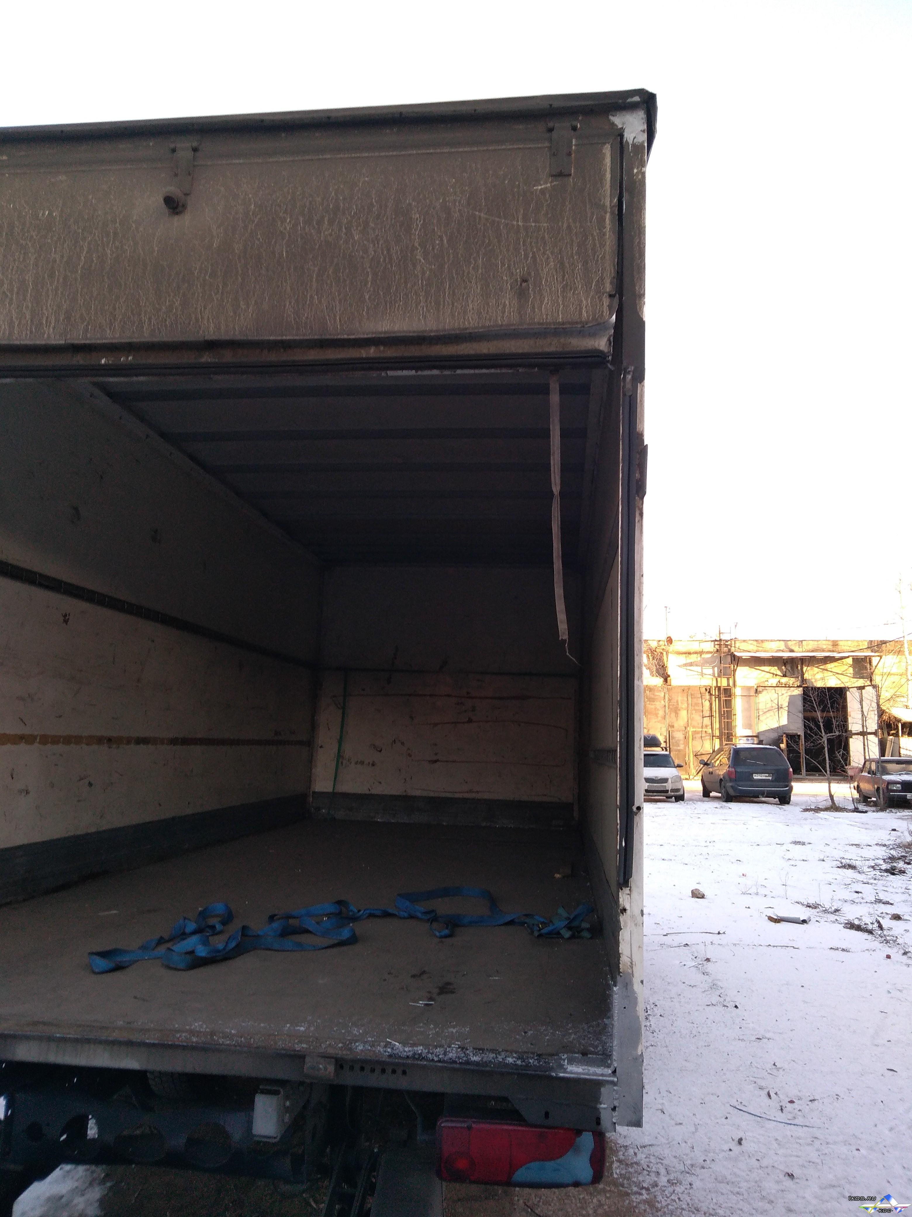 Усилили углы коробки.