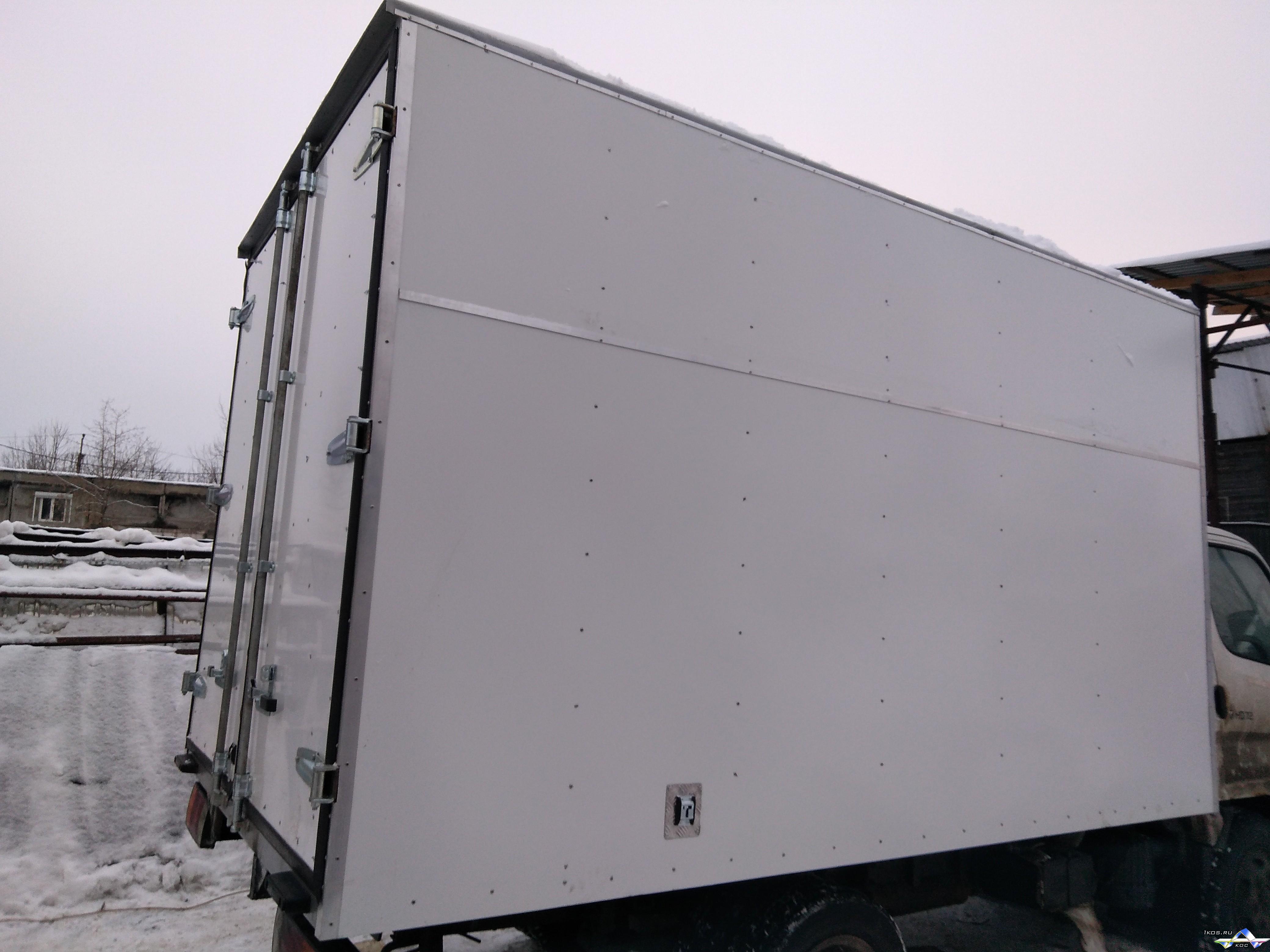 Изотермический фургон на 3,5 тонны. Размеры (длина 3200 мм * ширина 2200 мм * высота 2 200 мм).