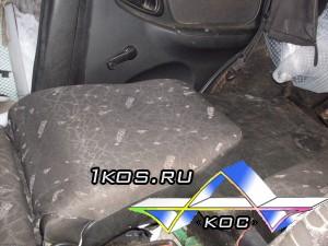 Спинка разложена, подголовник снят, заднее сиденье снято.