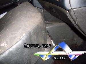 Задняя сидушка установлена на переднее сиденье.