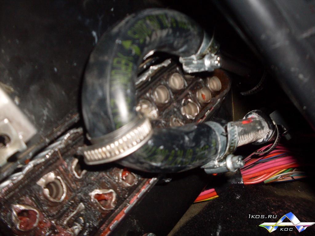 Подобрал нужный  патрубок и зациклил систему. Проверил. Все трубки горячие.