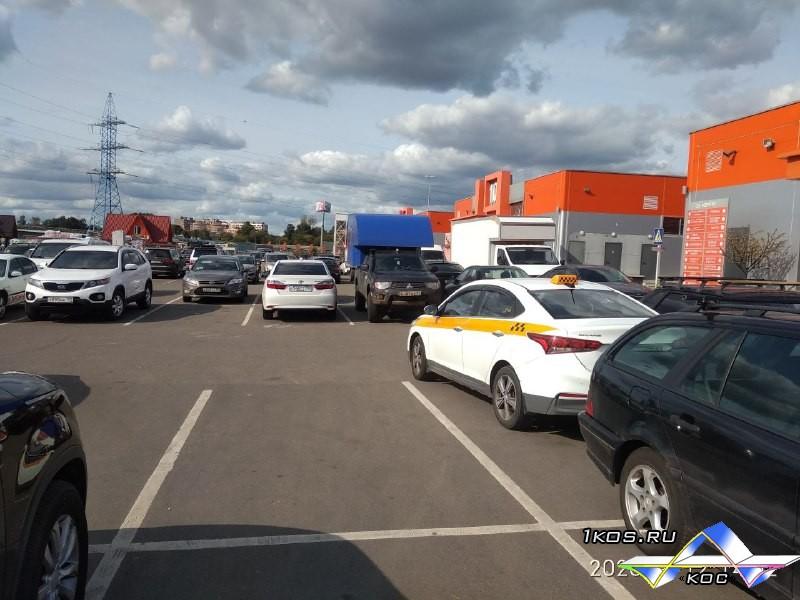 Теперь легко найти машину на парковке.)